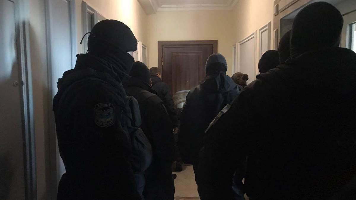 Из-за элитной квартиры экс-министра времён Януковича Клименко в Киеве произошли столкновения