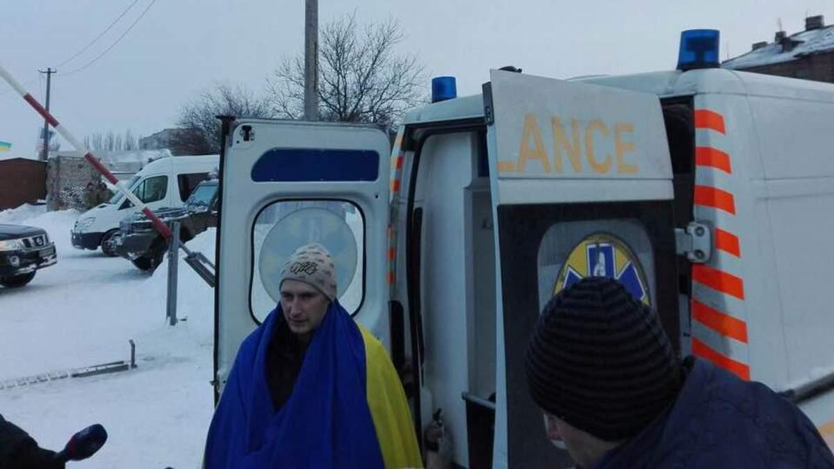 В Украину вернулся пленный Роман Савков: эксклюзивные детали обмена