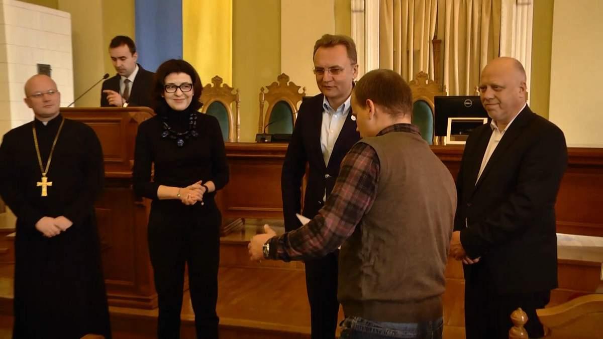 Во Львове 42 семьи героев АТО получили квартиры