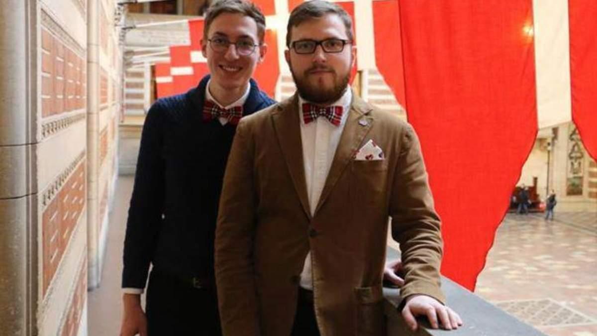 В России против мужчин, которые впервые зарегистрировали однополый брак, завели дело