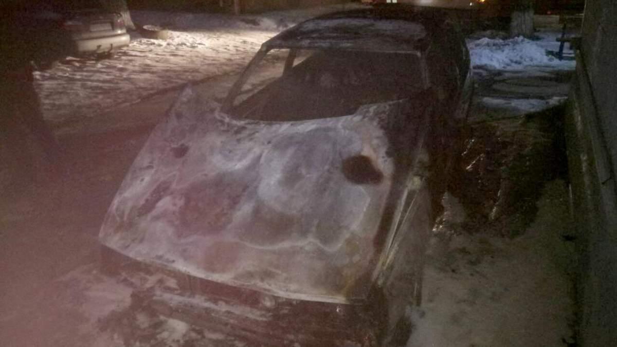 У Маріуполі в згорілому автомобілі знайшли труп:
