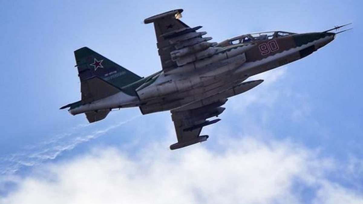 У Сирії збили російський літак Су-25