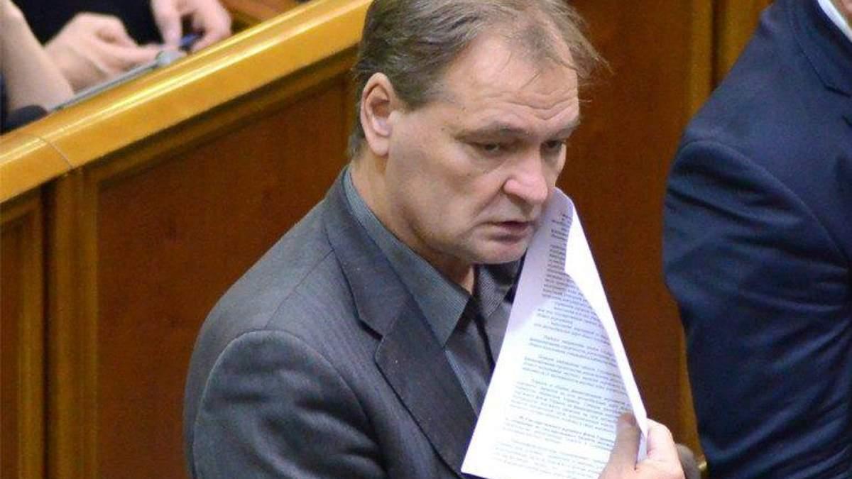 Прокуратура возбудила дело в отношении нардепа Пономарева, который отобрал у журналистов телефоны