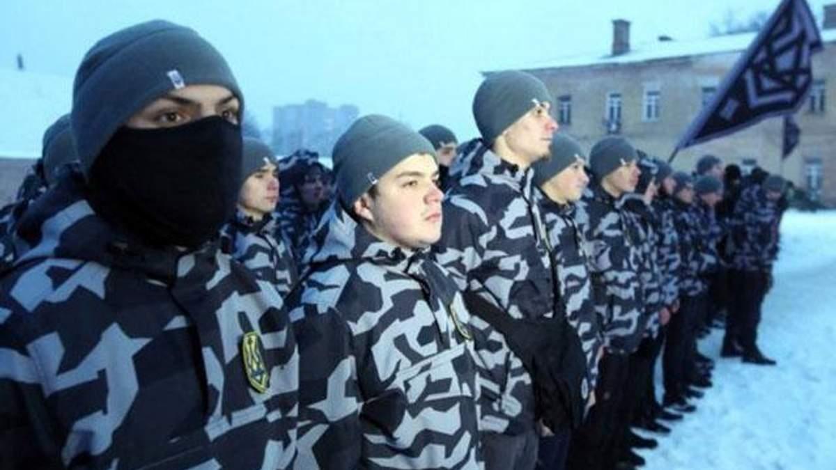 """Білецький пояснив, чому бійці """"Нацдружини"""" приховують обличчя балаклавами"""