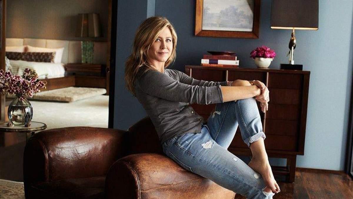 Дженнифер Энистон в собственном доме