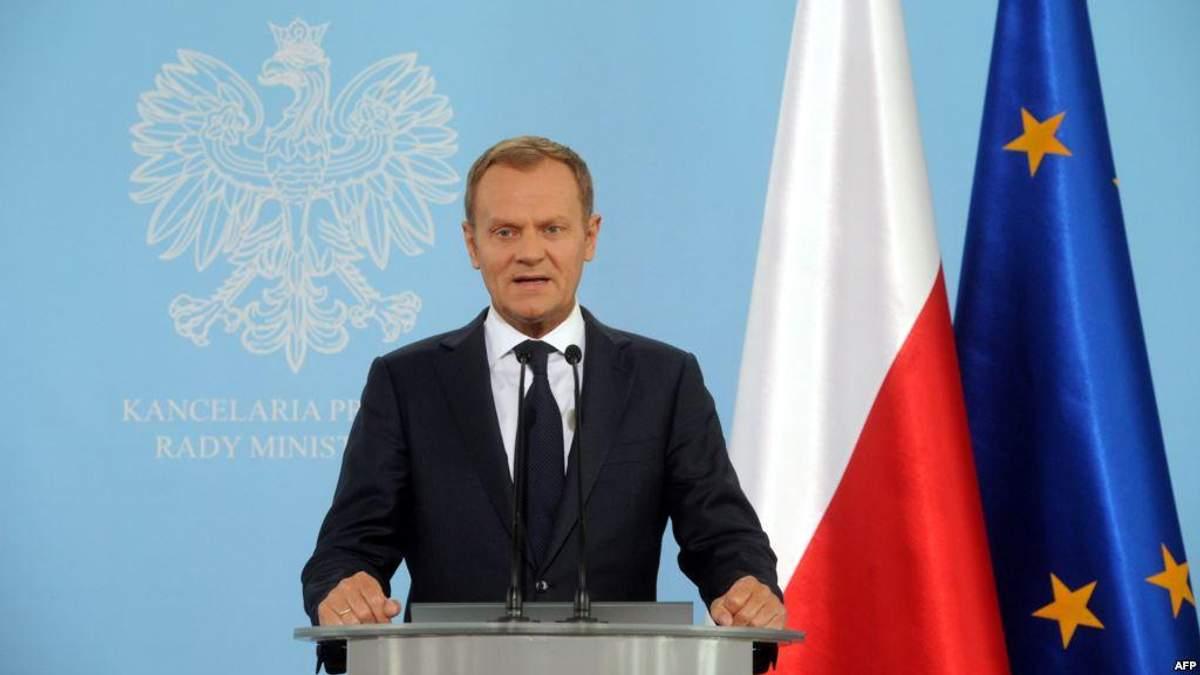 """Дональд Туск вважає, що правляча партія """"ПіС"""" завдала непоправної шкоди іміджу Польщі"""
