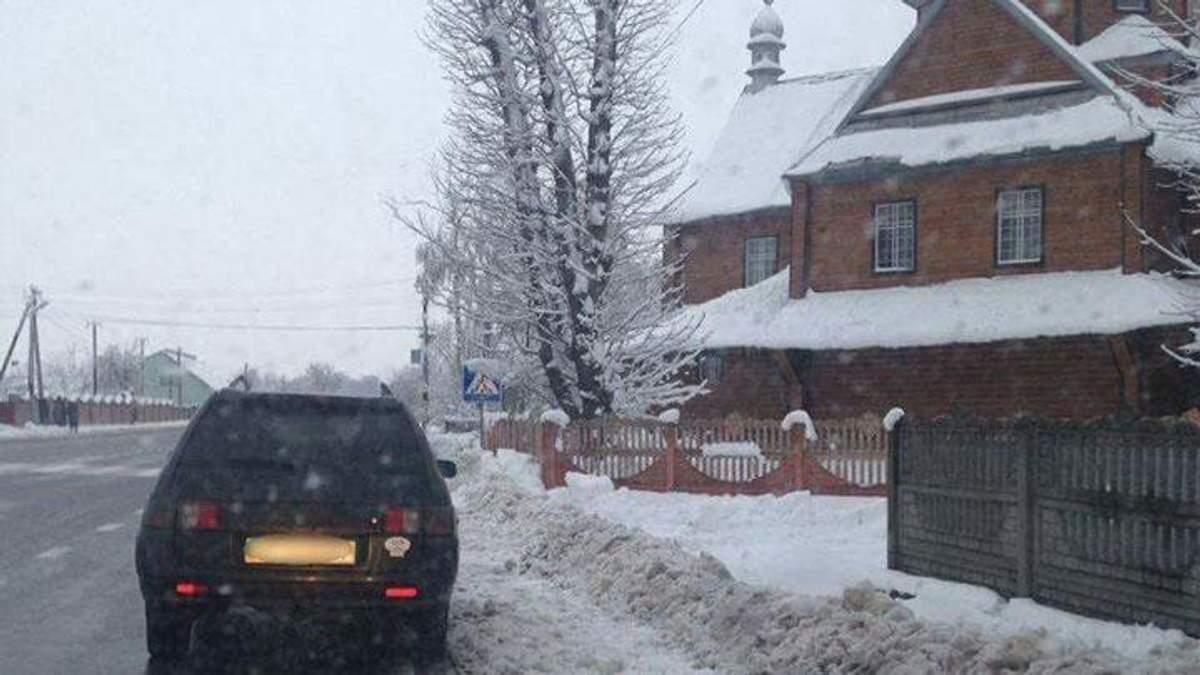 Івано-Франківщина: патрульні зупинили нетверезого водія-священика