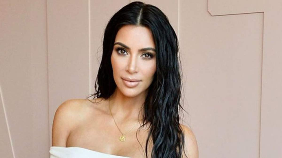 Ким Кардашян показала фото в купальнике