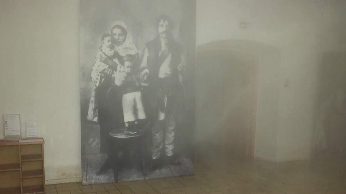 У Києві музей зі старовинними експонатами затопило киплячою водою