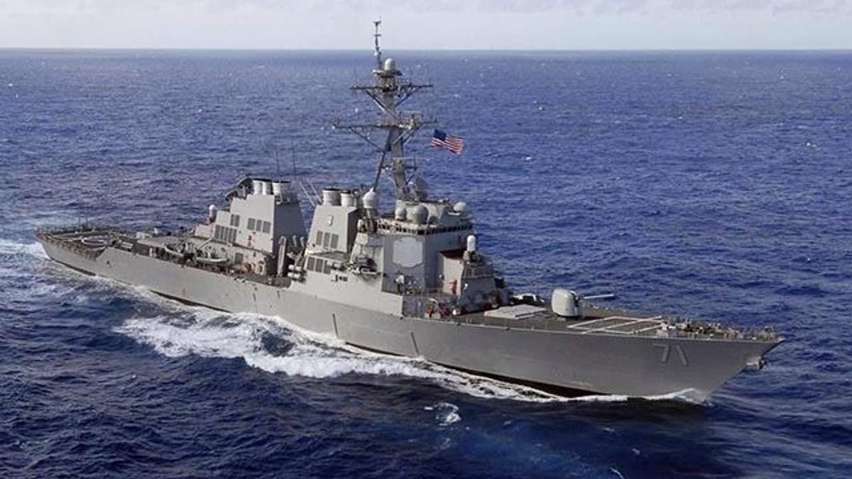 Ракетный эсминец США USS Ross