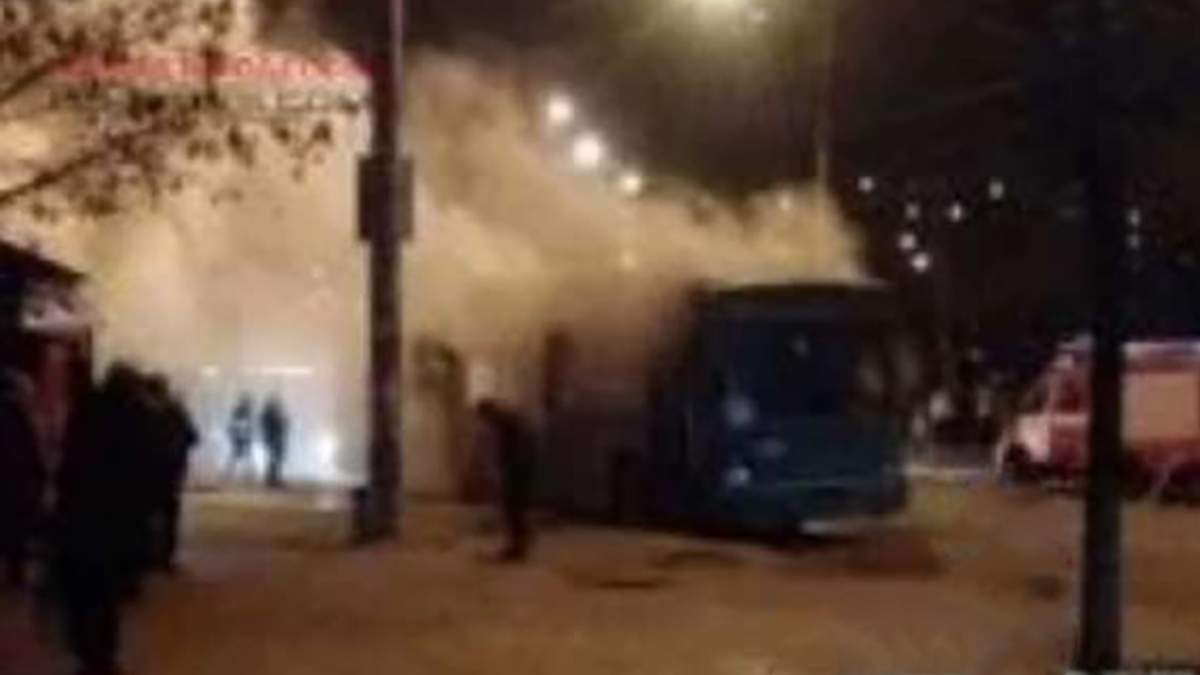 У тролейбусі з пасажирами в Одесі пролунав вибух: відео з місця події