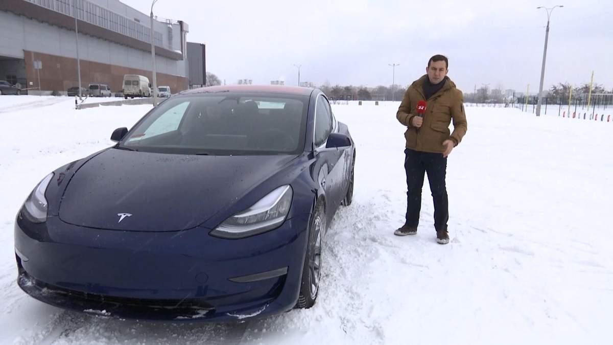 В Украине появился первый в Европе электрокар Tesla model 3