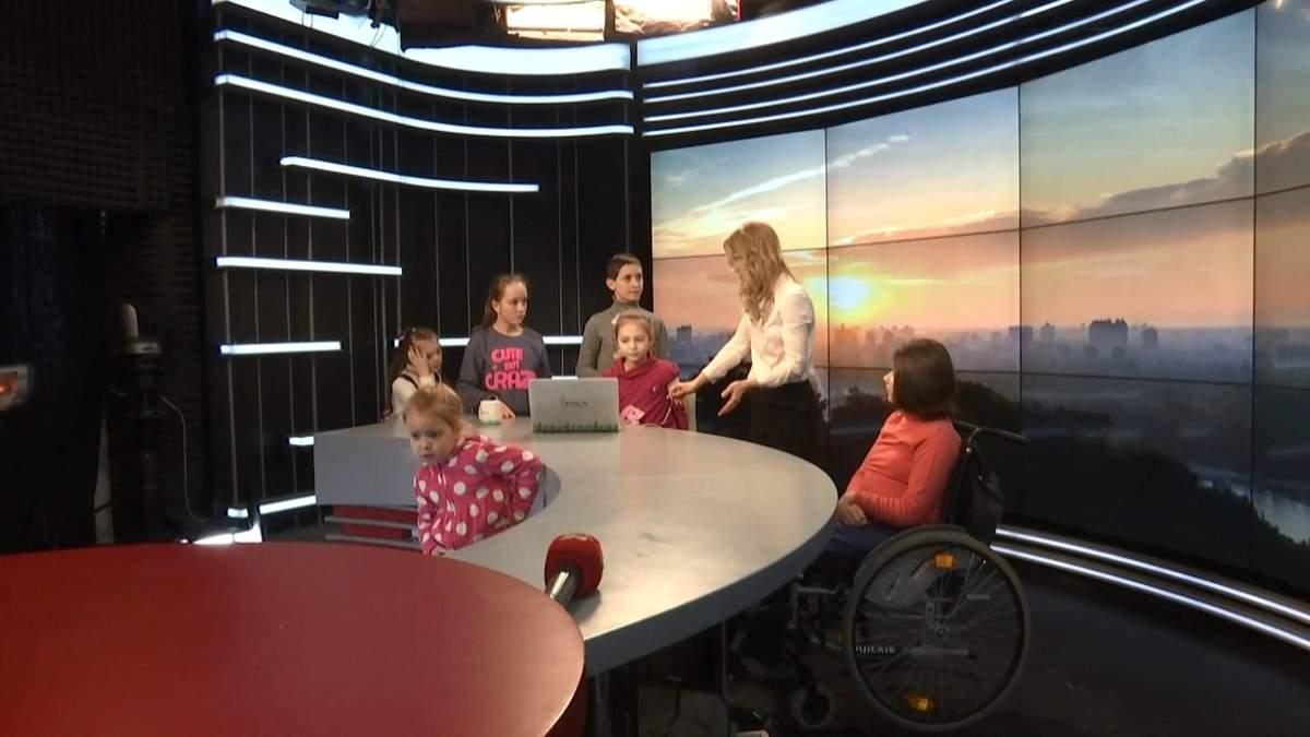 У Всесвітній день дитячого телебачення на 24 Канал прийшла особлива екскурсія