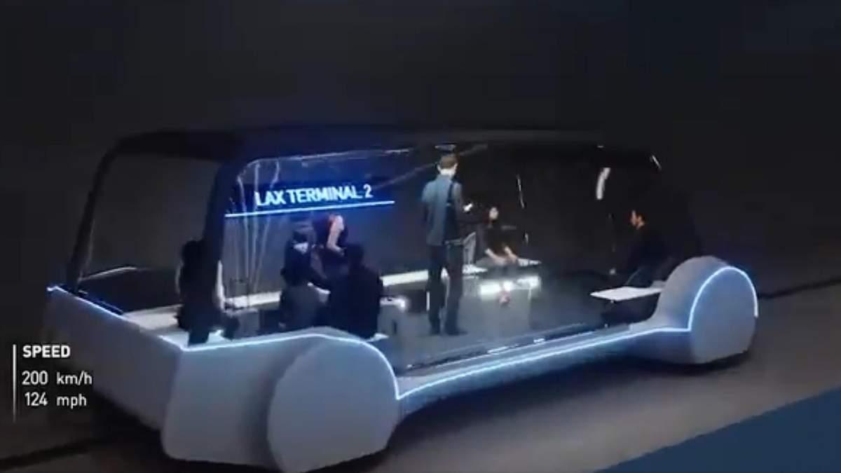 Илон Маск показал электробусы для тоннелей под городами: впечатляющее видео