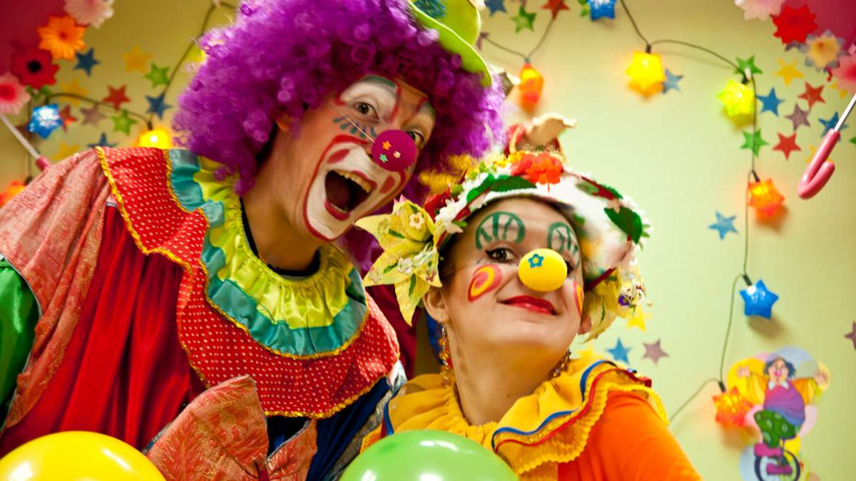 Как одесские клоуны лечат тяжелобольных детей смехотерапией