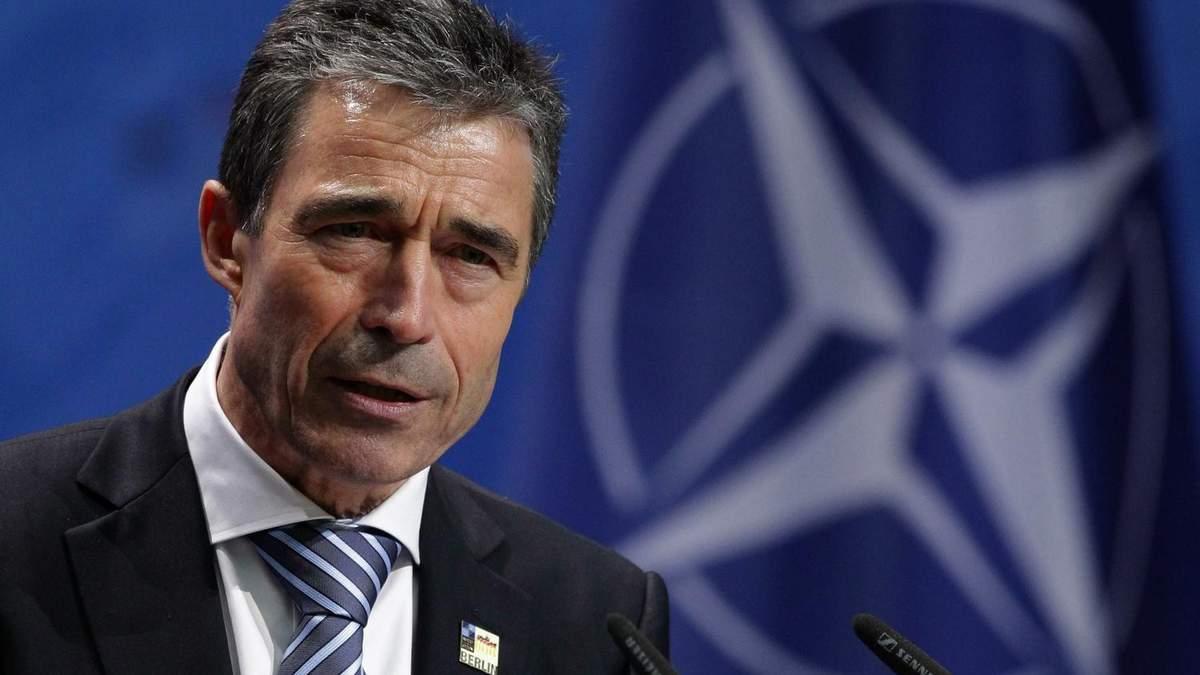ЄС і НАТО повинні надати Україні оборонну зброю, – екс-глава НАТО