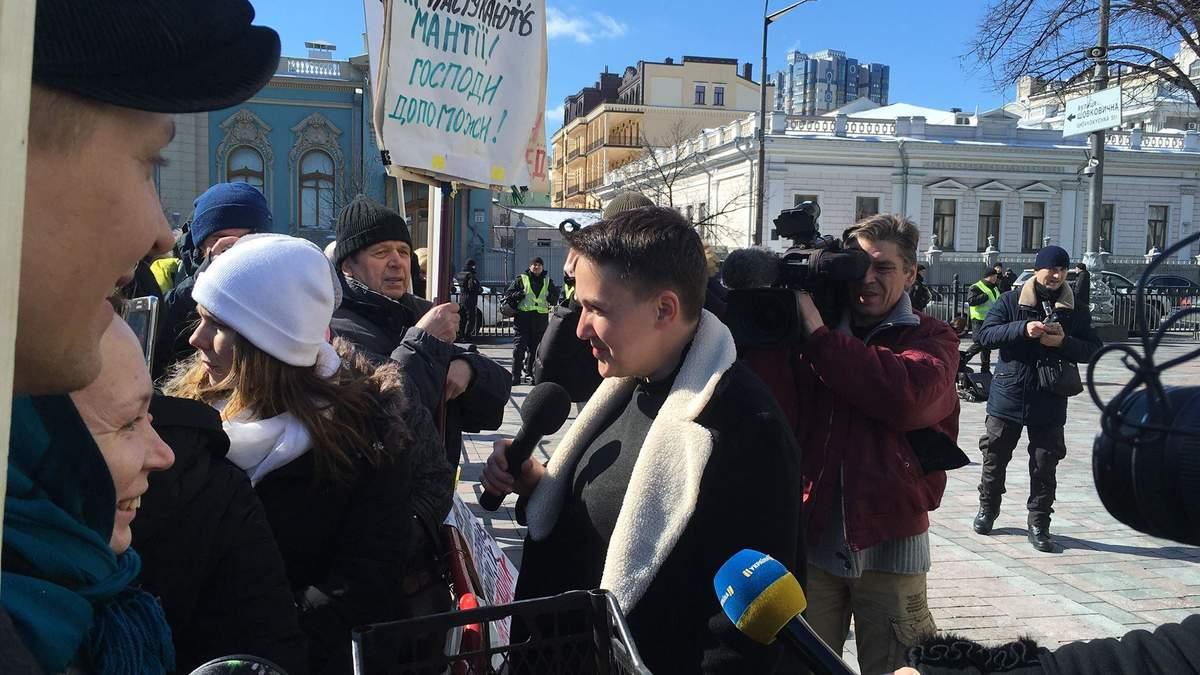 Рада зняла недоторканність з Савченко: нардеп покинула залу