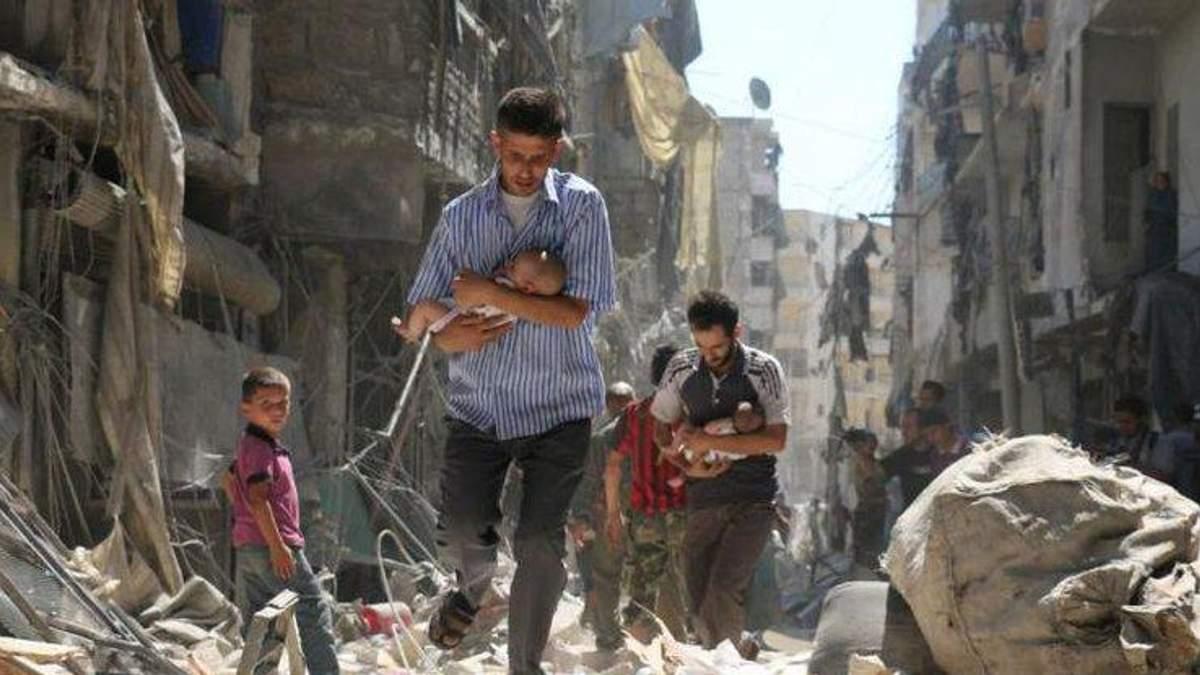 """Почему-то россияне не несут игрушки к посольству Сирии, а продолжают печь """"куличики"""""""