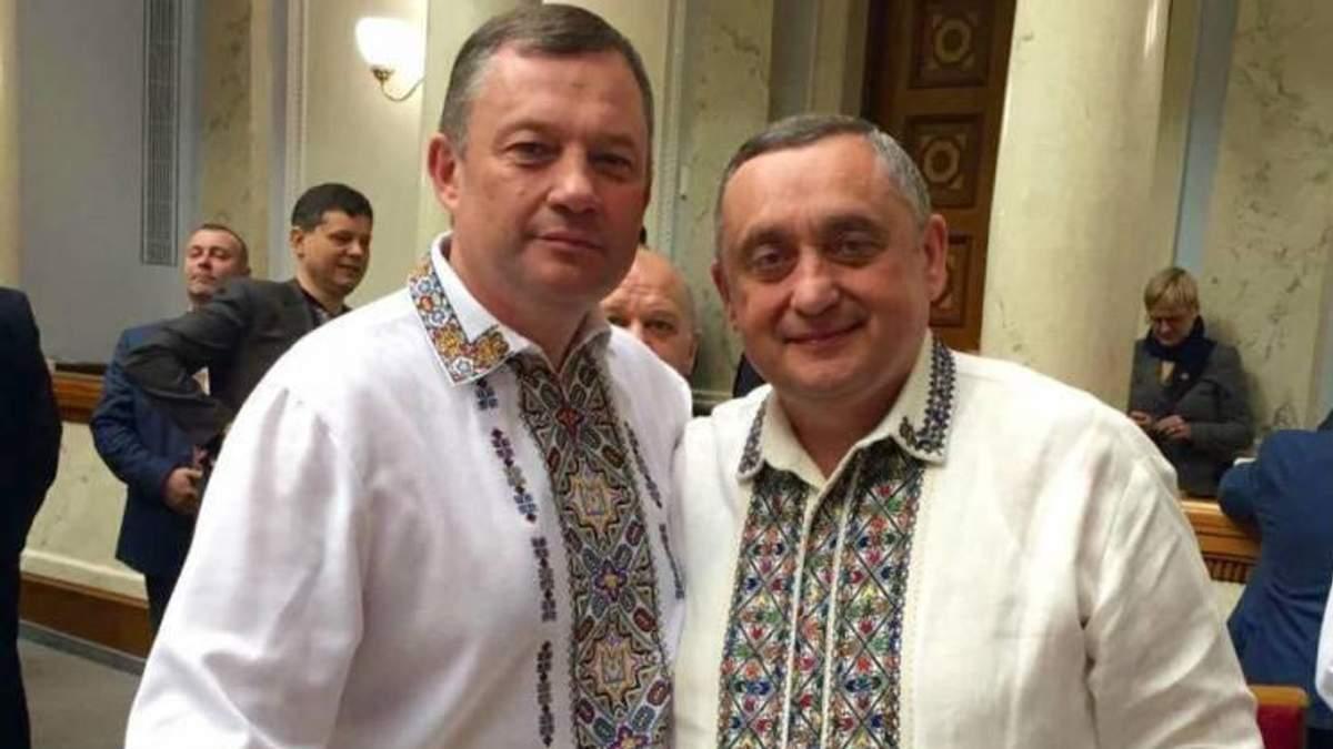"""Обшуки в """"Укрзалізниці"""" пов'язані із тендерами, які виграли брати Дубневичі"""