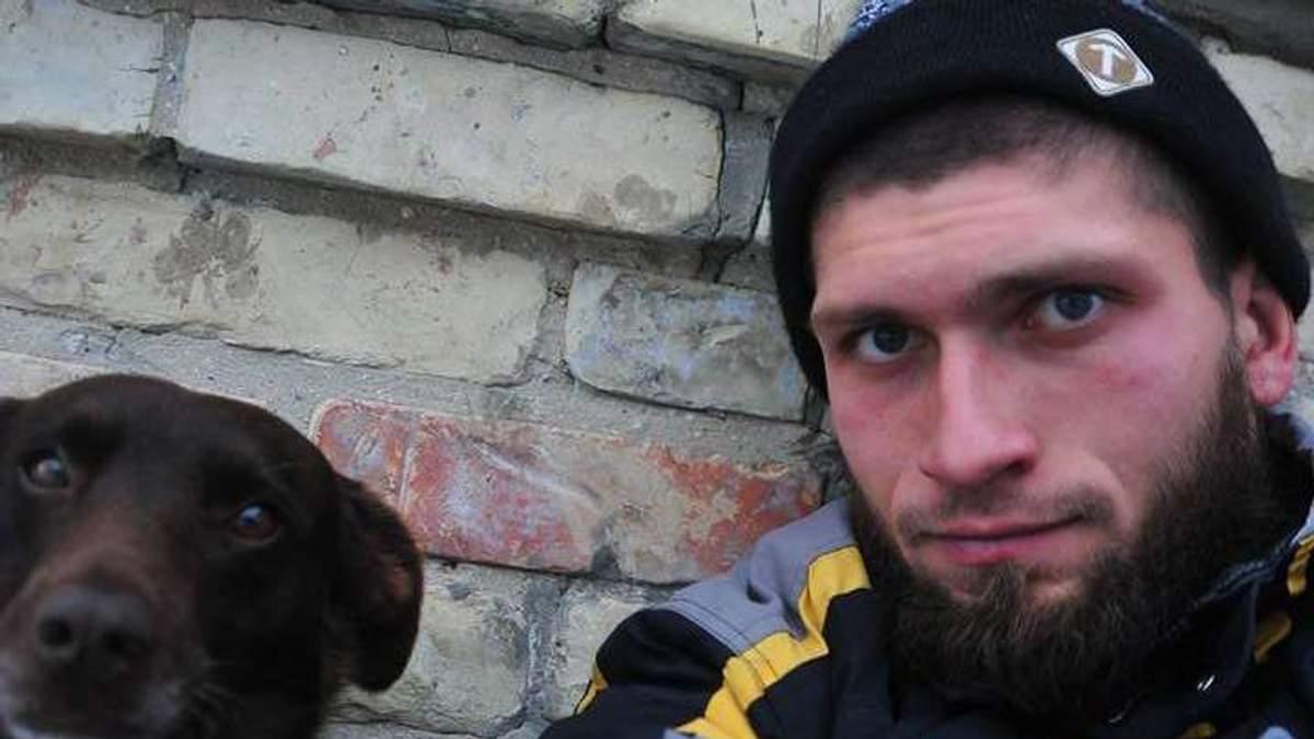Ножем у спину: на захисника Донецького аеропорту скоїли жорстокий напад у Києві