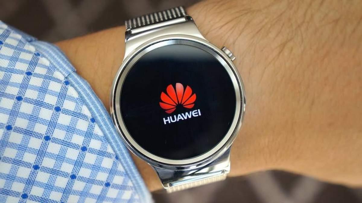 """Huawei запатентовал игровые """"умные"""" часы с сенсорным ремешком"""