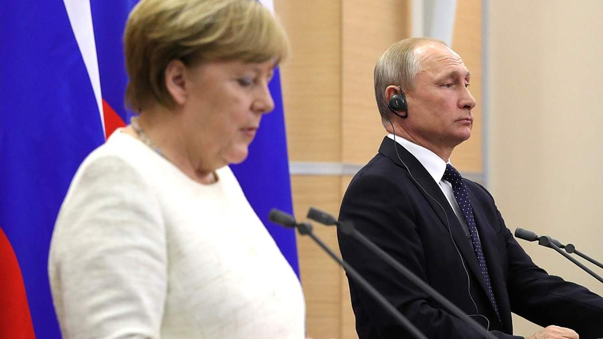 """Путин сделал важное заявление о """"нормандском формате"""" после встречи с Меркель"""