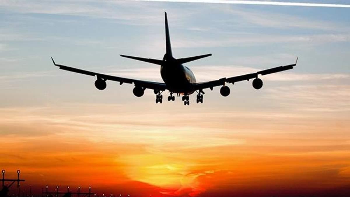 У Варшаві екстрено сів літак: відома причина