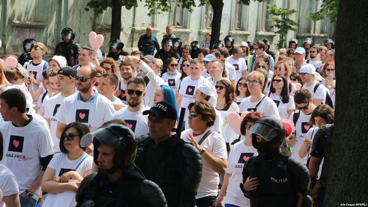 У Молдові поліція не дала православним активістам зірвати ЛГБТ-марш