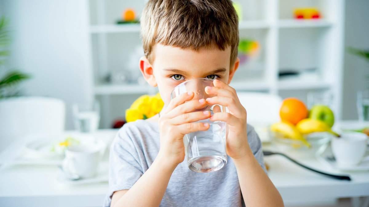 Как приучить ребенка пить больше воды