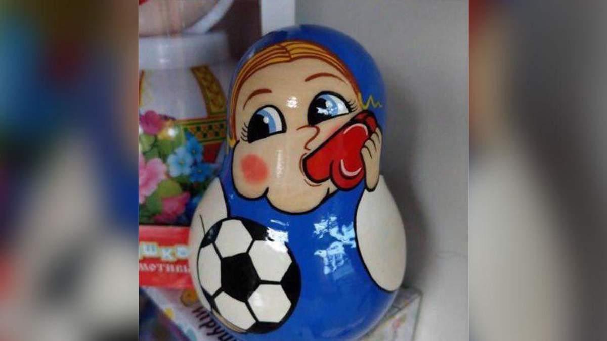 К ЧМ-2018 в России продают неоднозначные сувениры