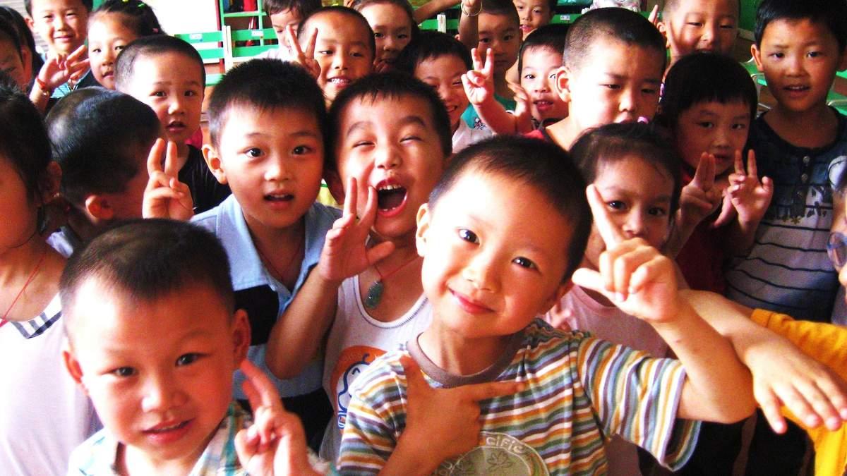 У Китаї плануюють скасувати заборону на кількість дітей в сім'ї