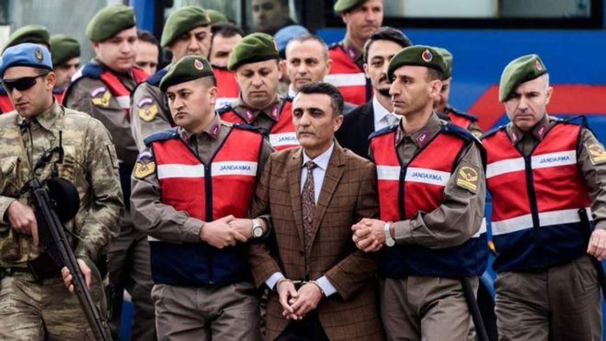 В Турции 104 экс-офицера получили пожизненное заключение