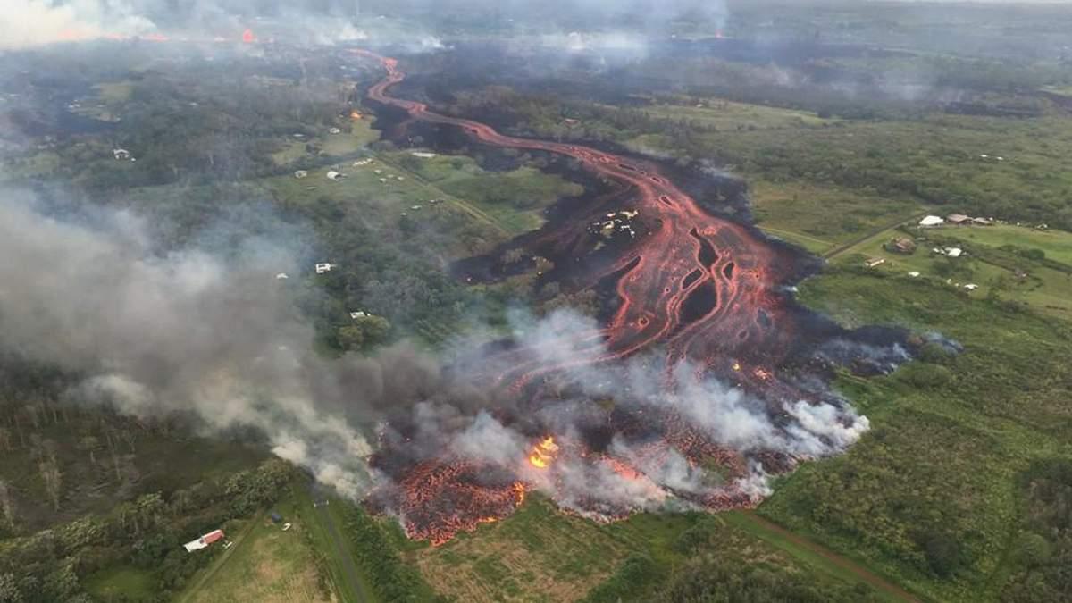 МИД советует украинцам не ехать на Гавайи, где бушует вулкан