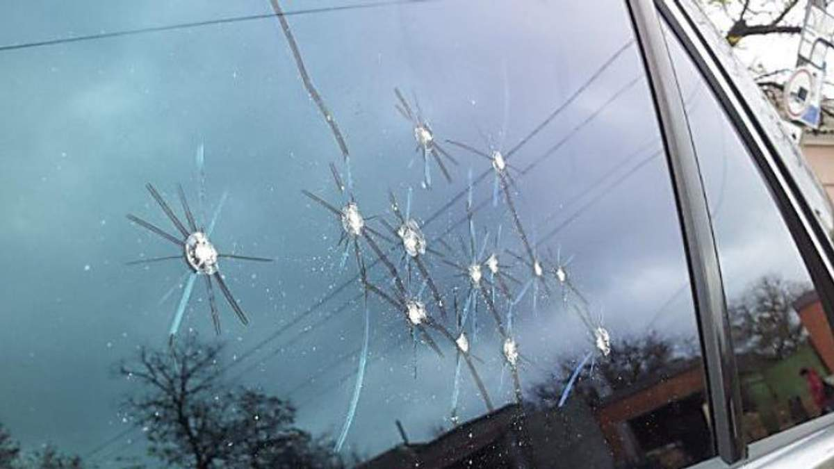 У Дніпровському районі Запоріжжя відбулася стрілянина: постраждала дівчина-водій