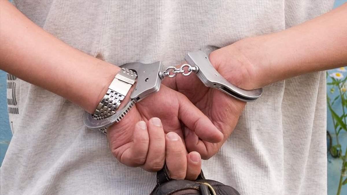 Вінницького посадовця затримали за отримання хабара у вигляді обігрівача