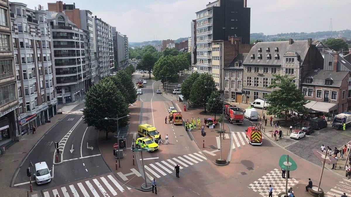 В Бельгии мужчина застрелил двух полицейских: фото и видео с места перестрелки