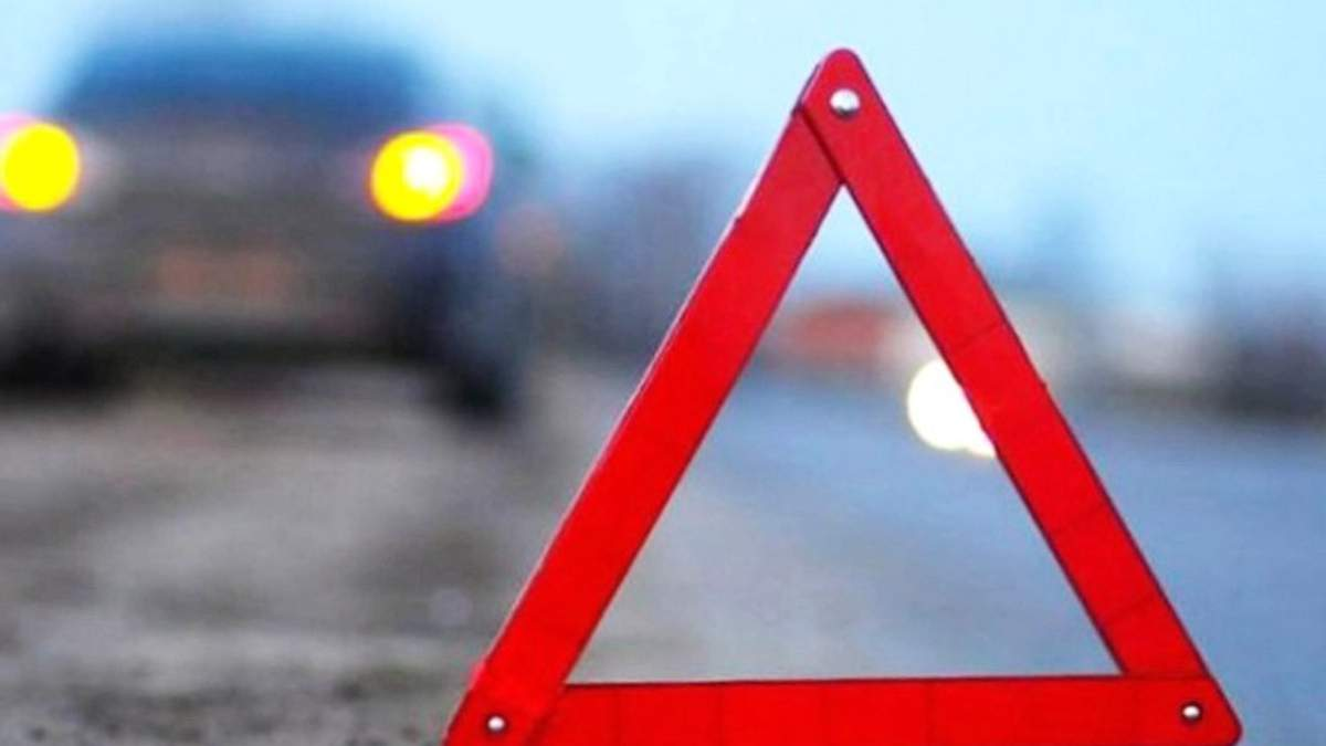 В Киеве на переходе машина из кортежа Порошенко сбила несовершеннолетнего велосипедиста, – СМИ