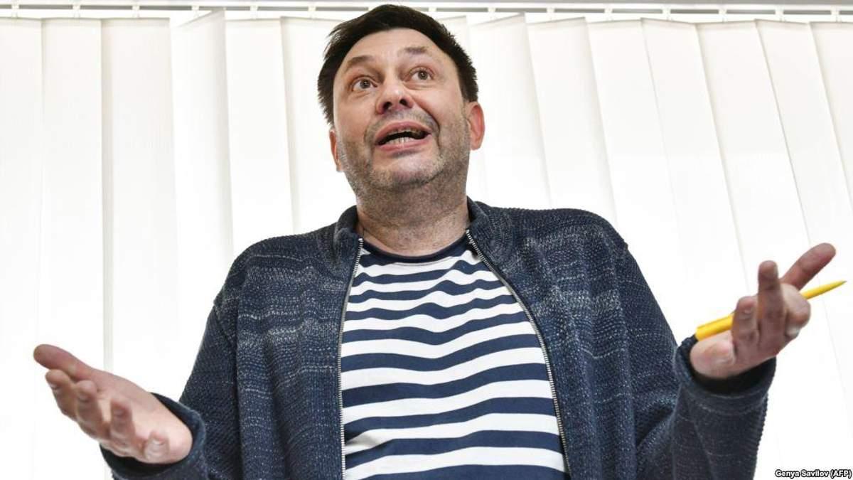 """Керівник """"РИА Новости"""" Вишинський відмовився від громадянства України і просить захисту в Путіна"""