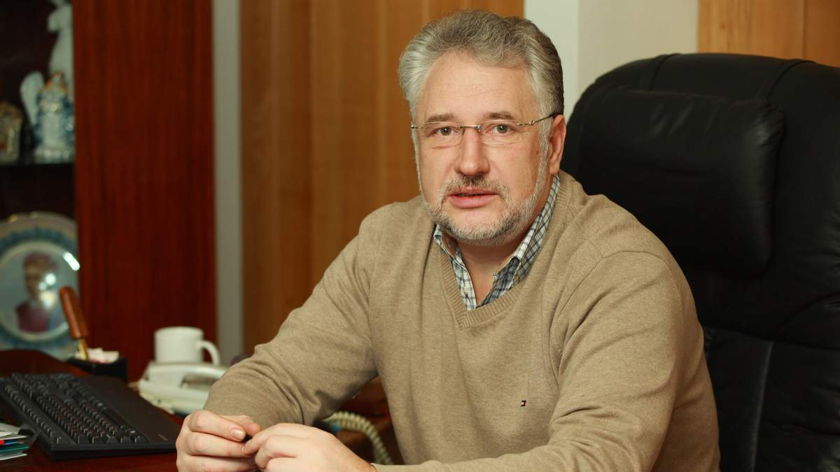 Жебрівський зізнався, навіщо йому зброя під час зустрічей з мирними жителями
