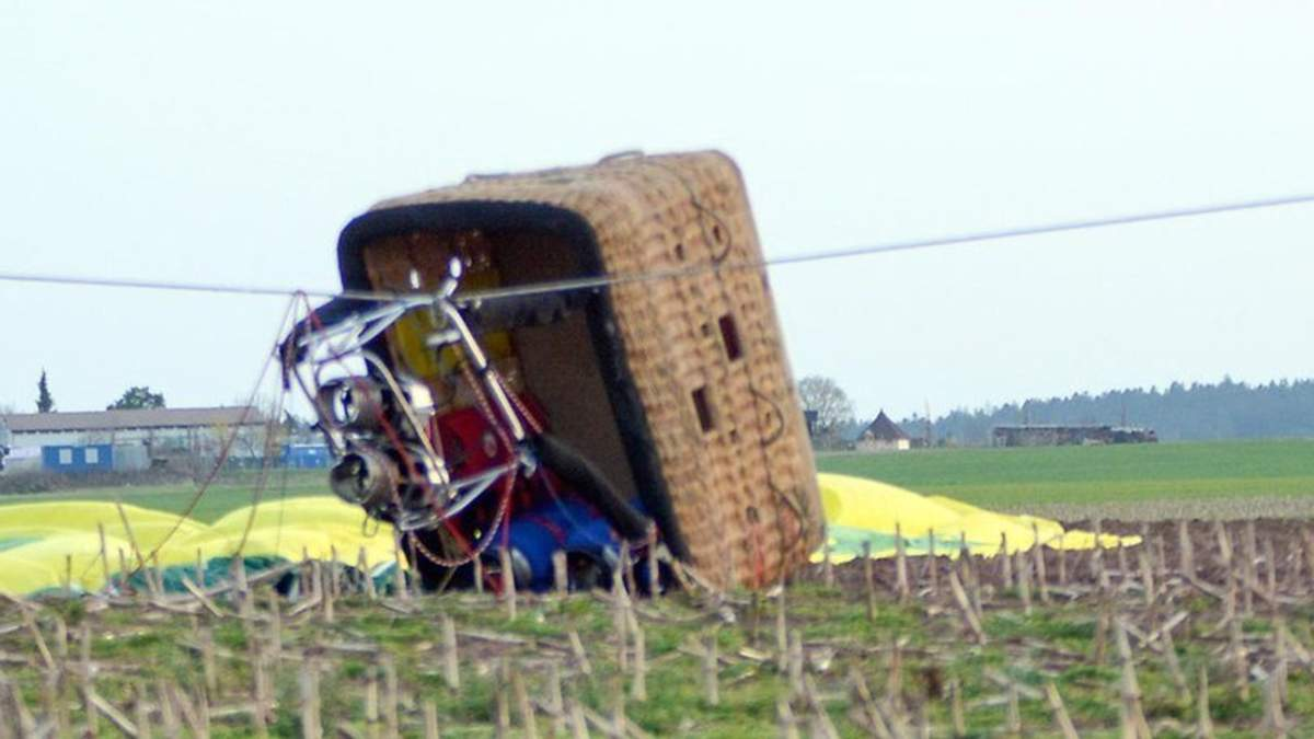 В Германии воздушный шар упал с десятиметровой высоты