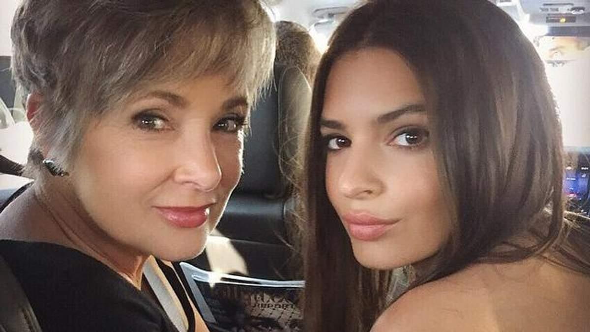 Эмили Ратаковски поздравила маму с праздником трогательными архивными снимками - Lifestyle 24