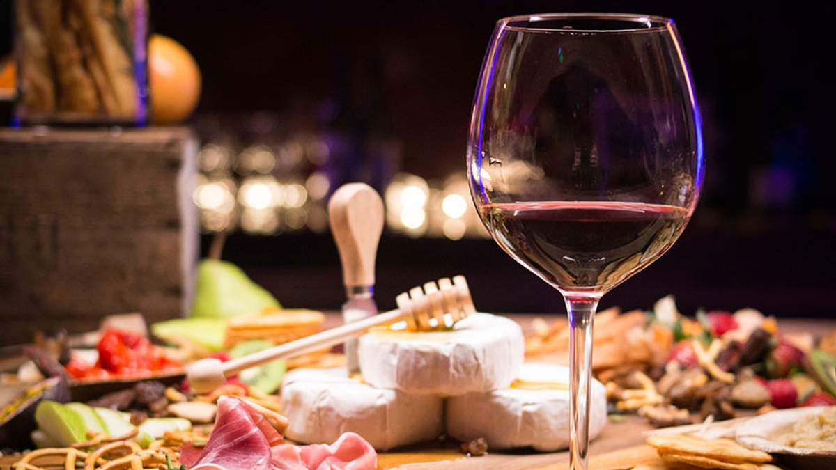 З чим пити вино