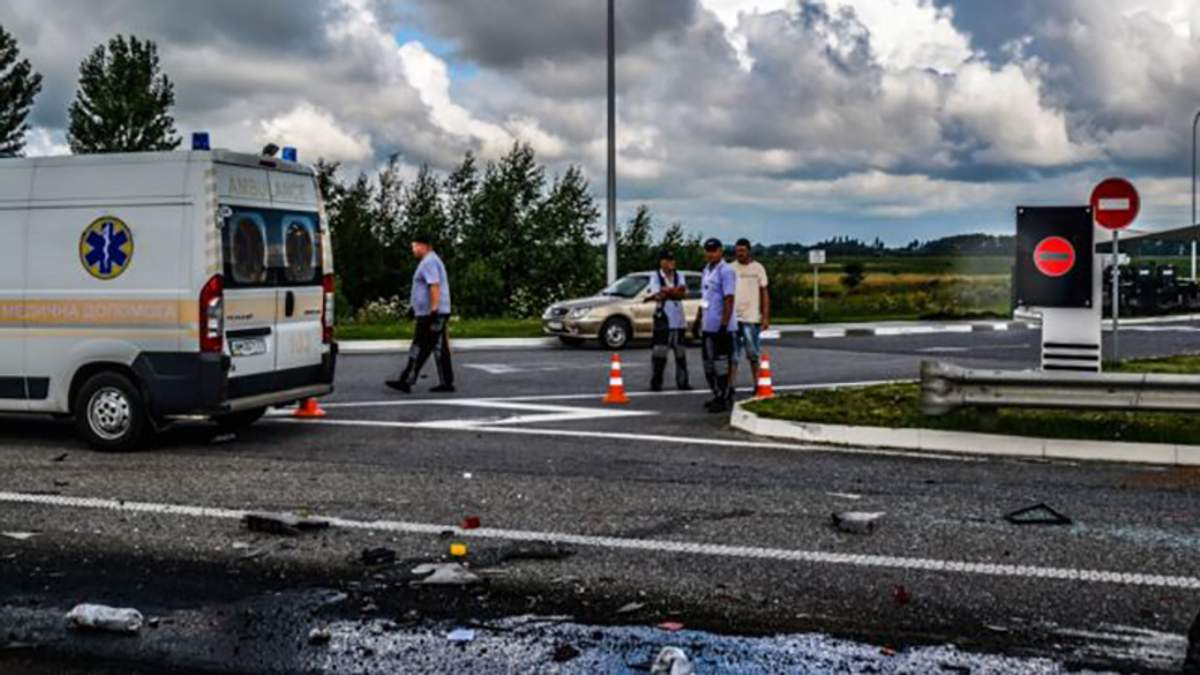 ДТП под Житомиром на трассе Киев – Чоп унесло жизни не менее 10 человек
