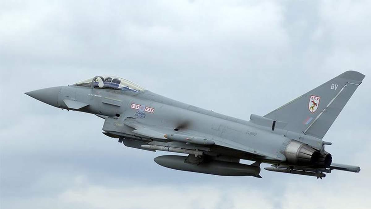 Британські винищувачі отримали команду на перехоплення російського Су-24 у небі над Чорним морем