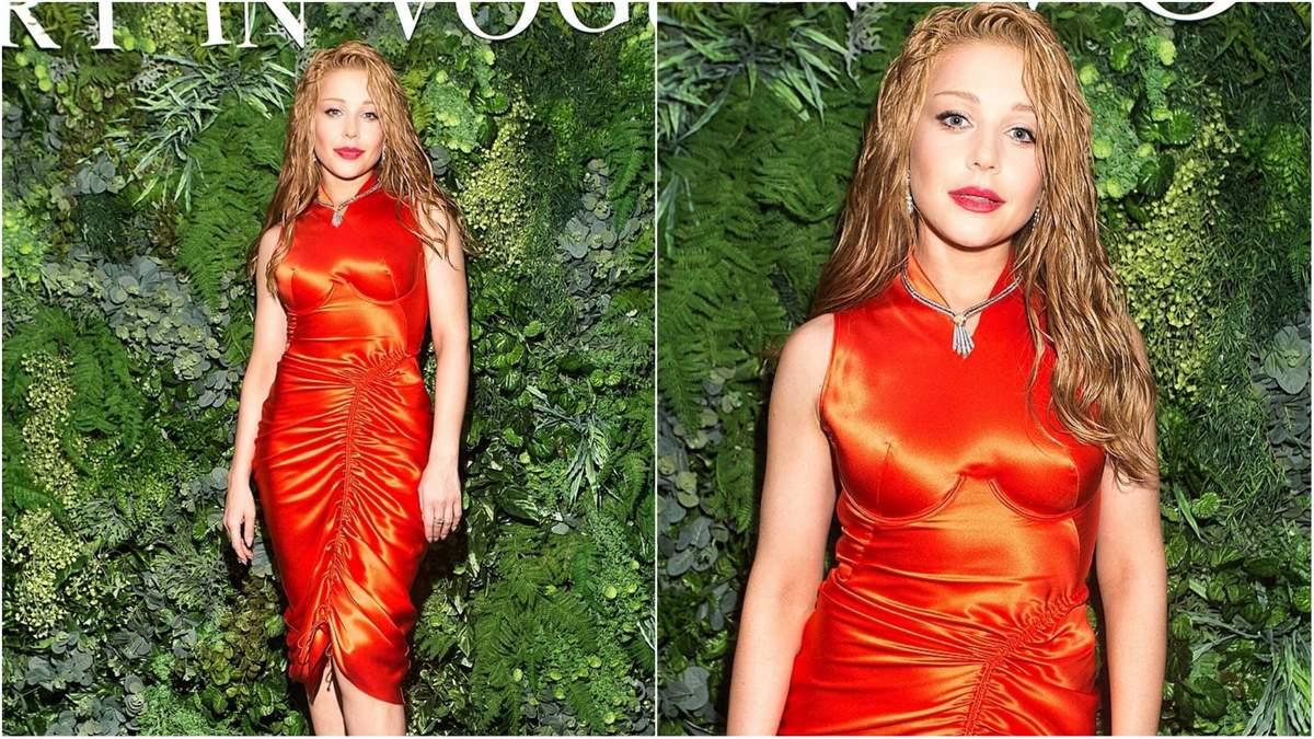 Тіна Кароль завітала на вечірку Vogue в яскравій сукні ...