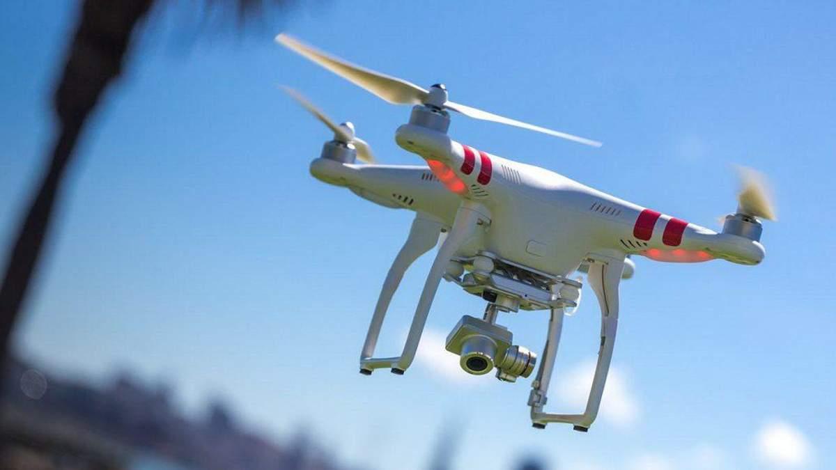 У Сінгапурі створять службу для керування польотів дронів