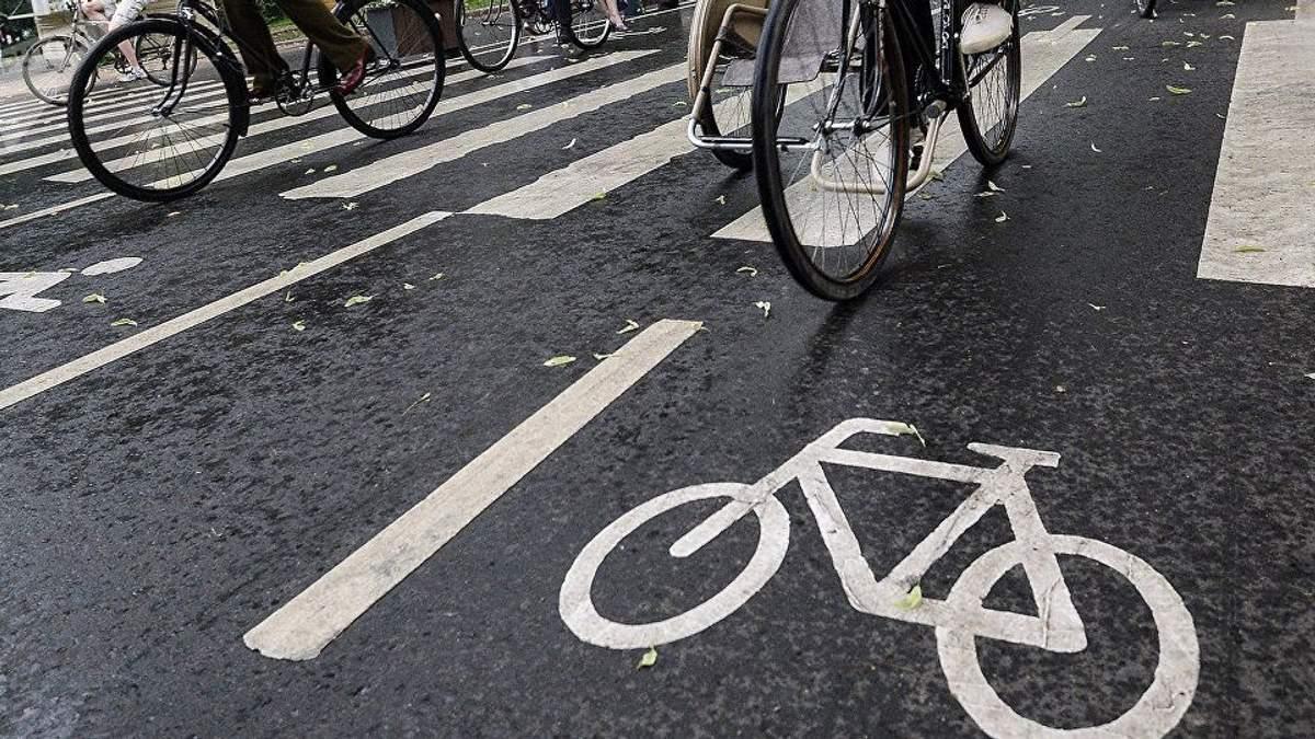 В Украине приняли новые нормы относительно велодорожек и велополос