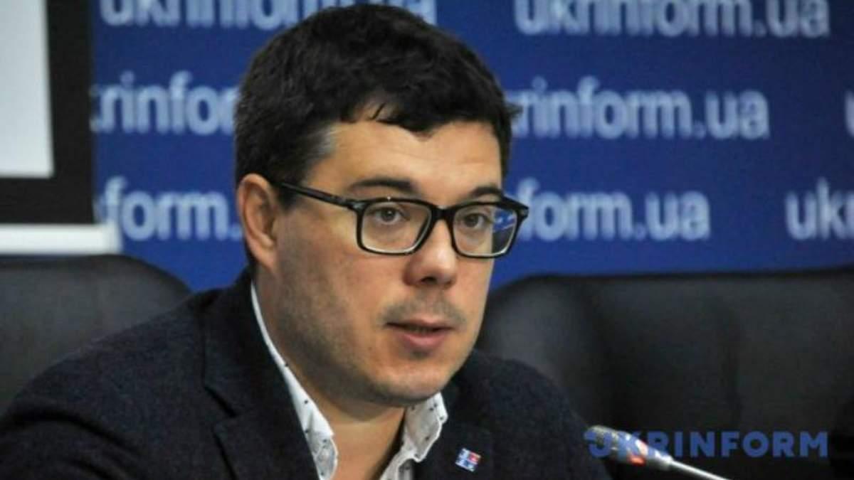 Юрий Бойко не хочет выглядеть как пророссийский кандидат, – эксперт