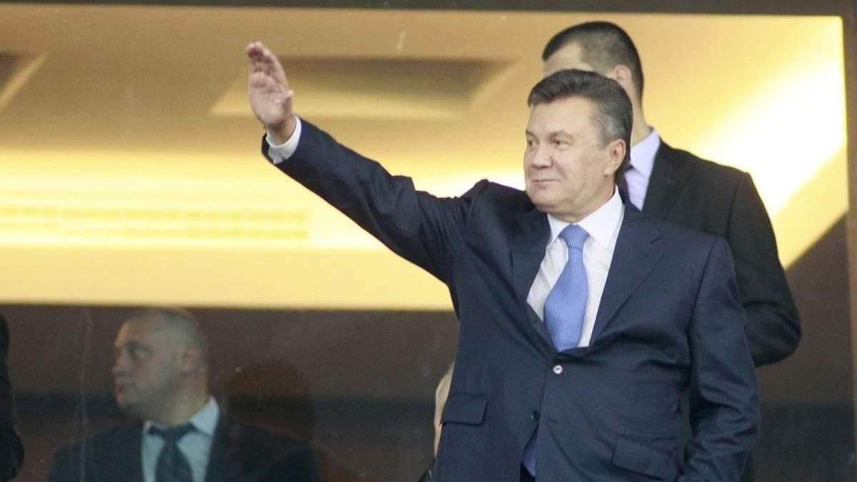 Януковича заметили на футбольной трибуне во время матча Россия – Испания