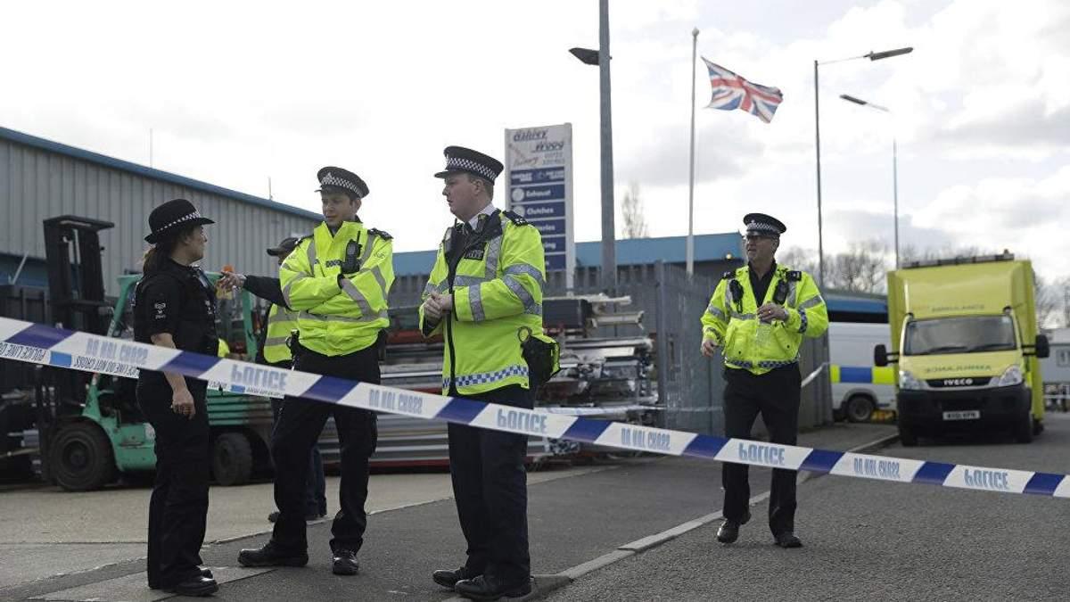 В Солсбери ищут неизвестное вещество от которого пострадали два человека